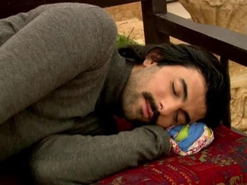 так спящий мужчина фото анимация новогоднюю ночь любая